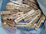 Gravierte Wäscheklammern, Werbeklammern Kroatien-Tour aus Holz, Glupperl, Glubbal