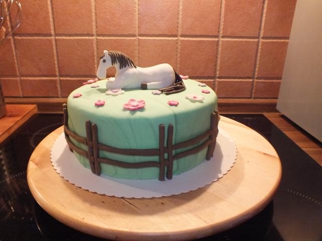 Geburtstag-Kinder » Pferde Torte